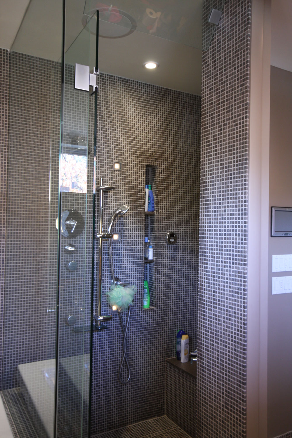Avenal - Ensuite Bathroom